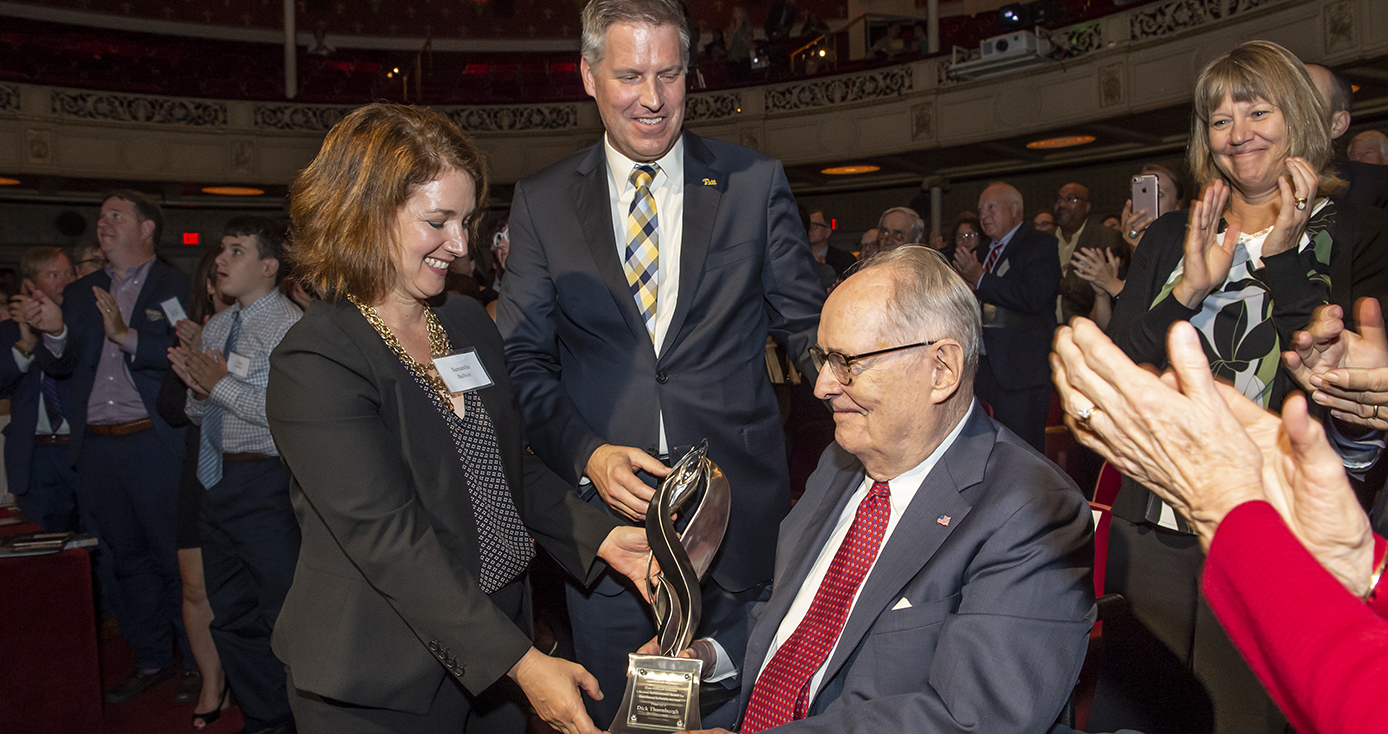 Former Pennsylvania Governor Dick Thornburgh (LAW '57) accepts the Elsie Hilliard Hillman Lifetime Achievement Award for Excellence in Public Service at the recent American Experience Distinguished Lecture Series. Pictured left to right: Director of the Institute of Politics Samantha Balbier, Pitt Chancellor Patrick Gallagher, Thornburgh, and Karen Gallagher.
