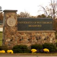 Pitt–Bradford monument sign
