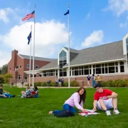Pitt-Greensburg students on lawn