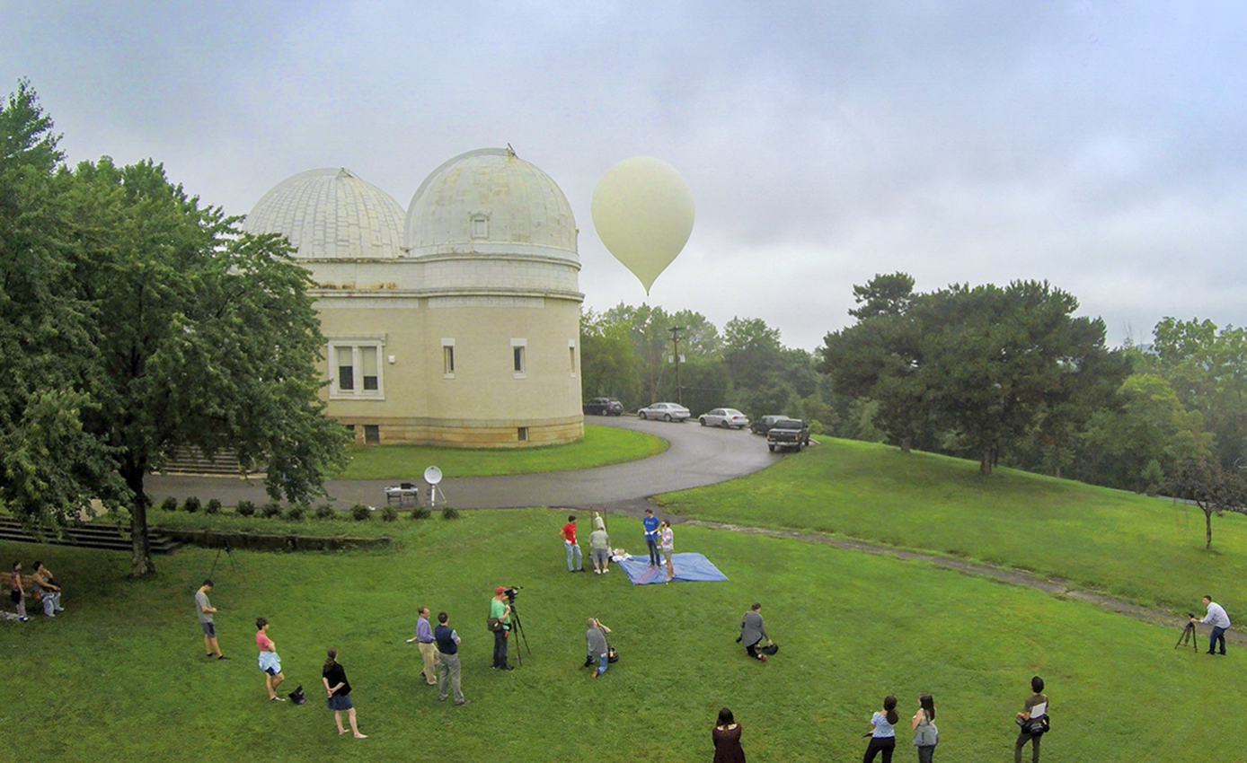 Allegheny Observatory and balloon and many people on the lawn