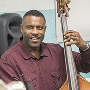 Reginald Veal playing bass