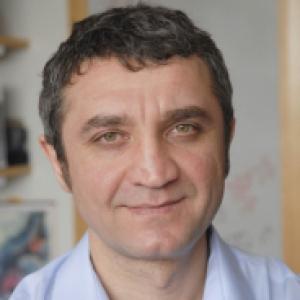 Headshot of Ruslan Medzhitov