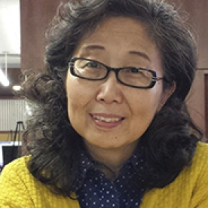 Haihui Zhang in library